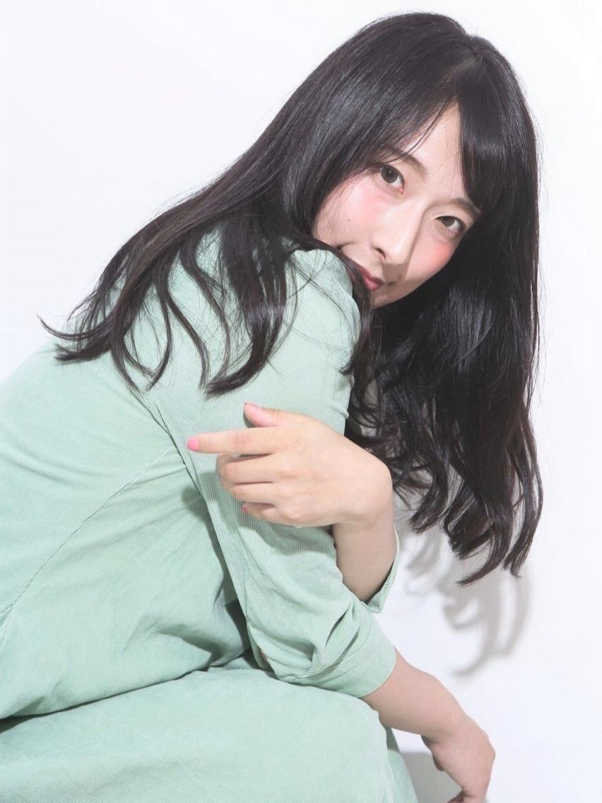 【愛され女子スタイル】重めレイヤー・ダーク系ヌーディーカラー